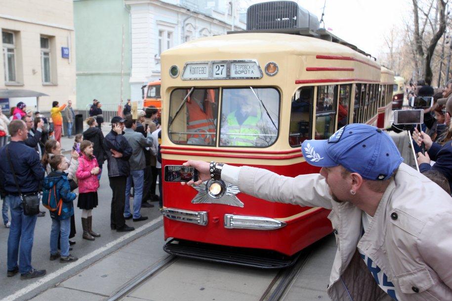 Несколько маршрутов наземного транспорта изменят в связи с парадом трамваев
