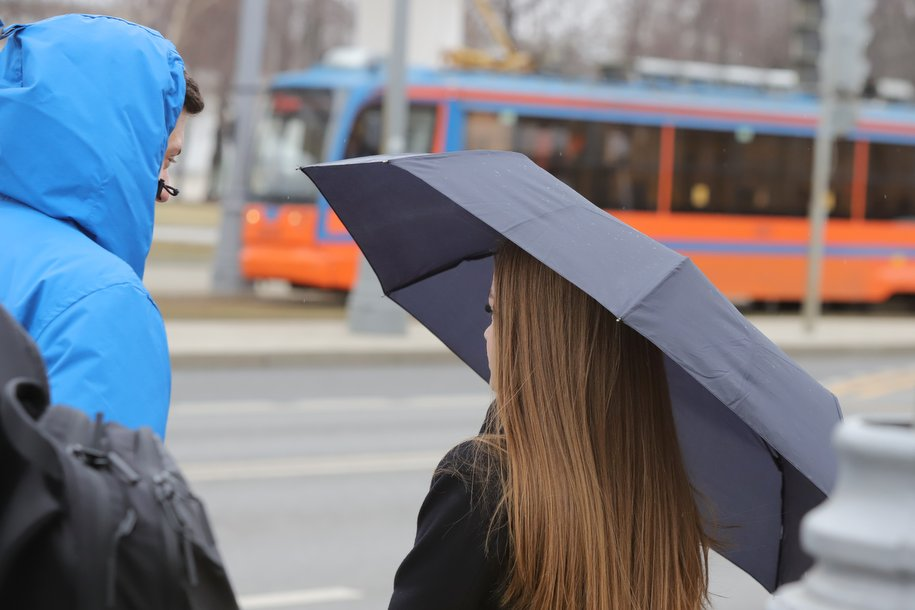 В Москве сохраняется высокое атмосферное давление