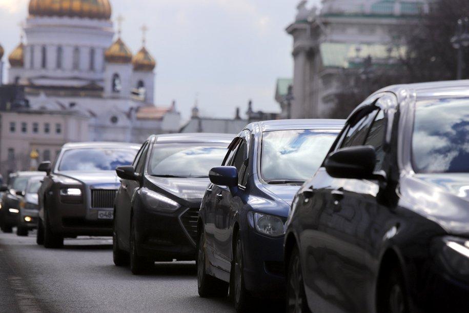 ЦОДД призывает столичных водителей быть осторожнее на дорогах из-за гололеда