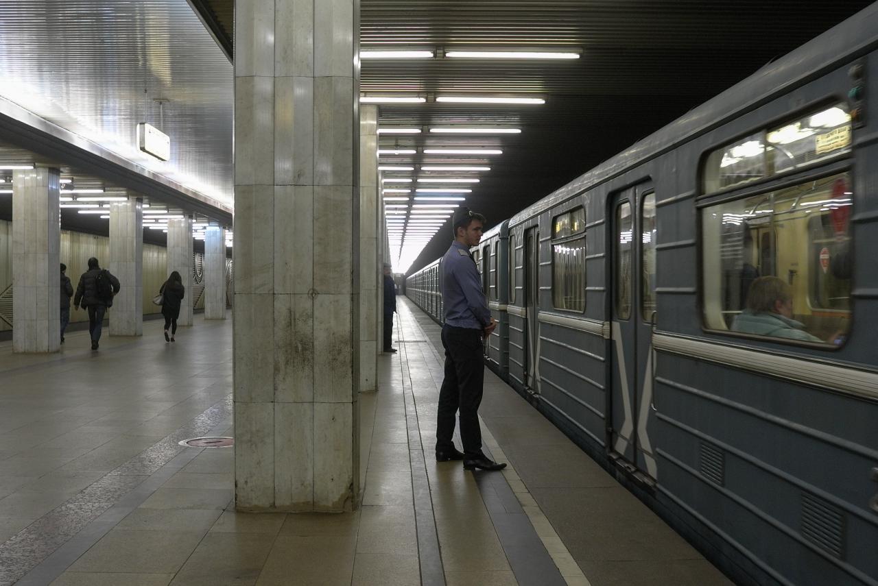 На «красной» ветке метро увеличены интервалы движения поездов