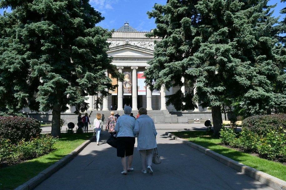 Пушкинский музей, в рамках акции «Ночь в музее» посетили более 3 тысяч человек