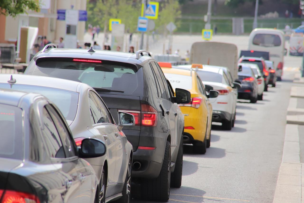 Более 14 тыс. нарушений правил парковки зафиксировали в центре Москвы с начала года