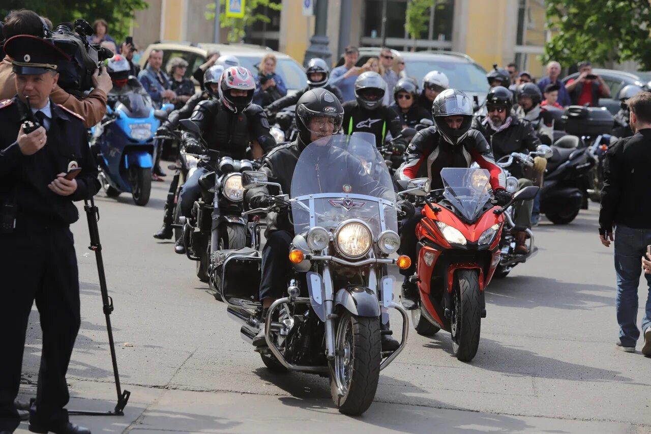 В столице прошел мотопробег в знак памяти о погибшем журналисте Сергее Доренко