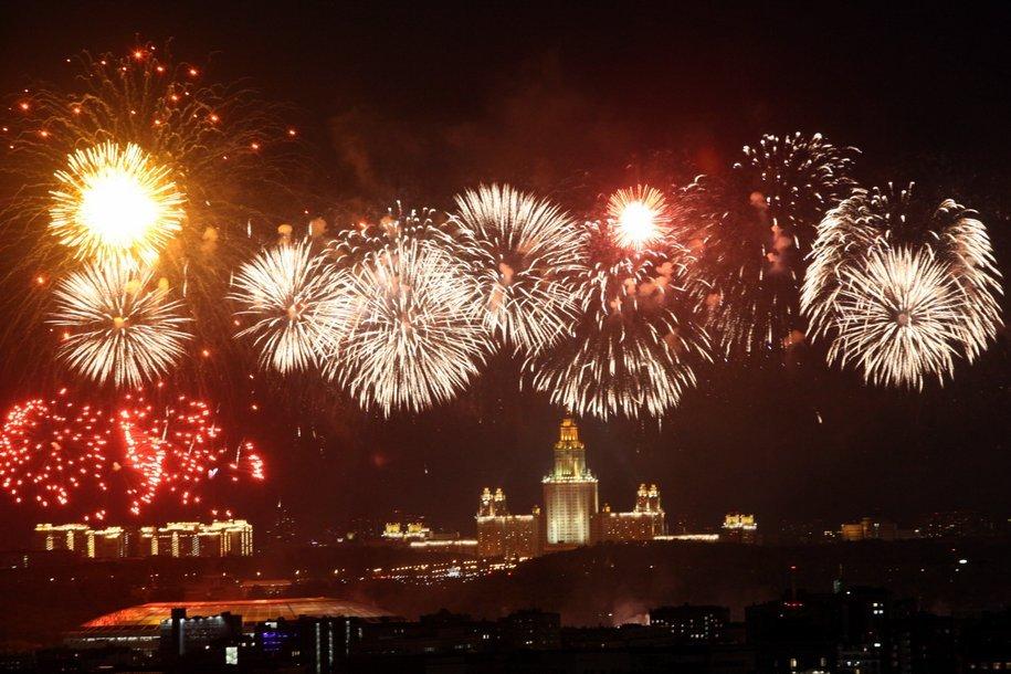 Праздничные салюты в День Победы пройдут на 34 столичных площадках