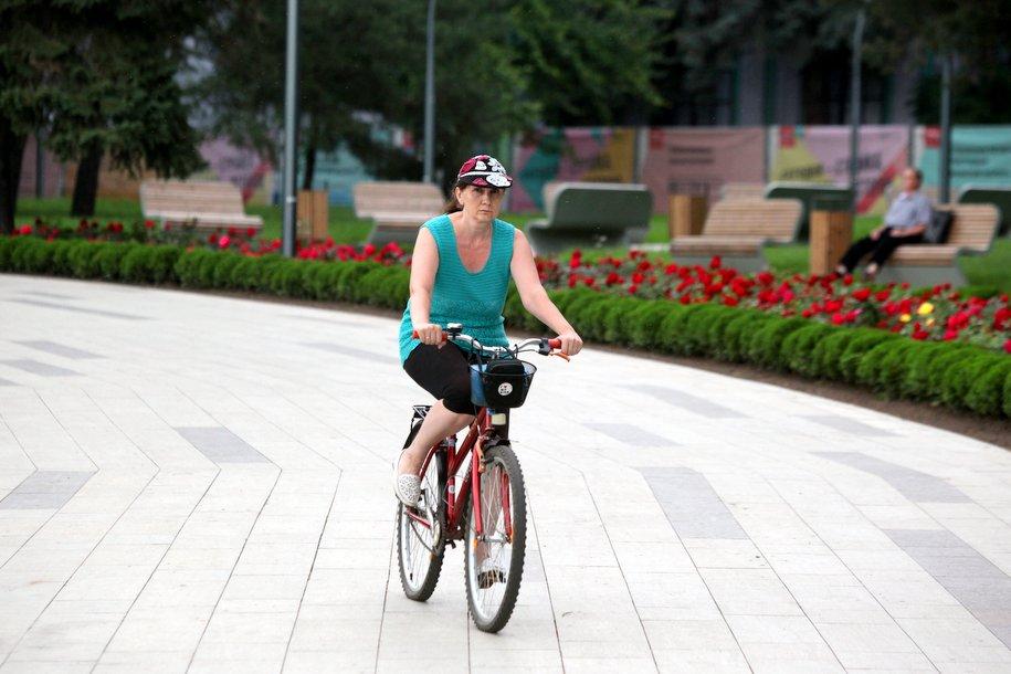 В столичных парках откроют велосипедные маршруты с экскурсиями
