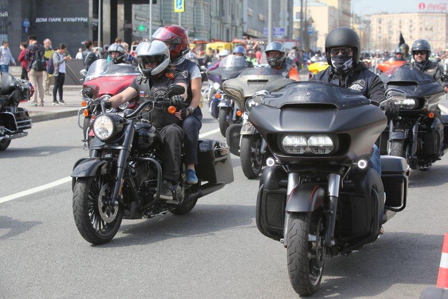 Весенний мотопарад стартовал в столице