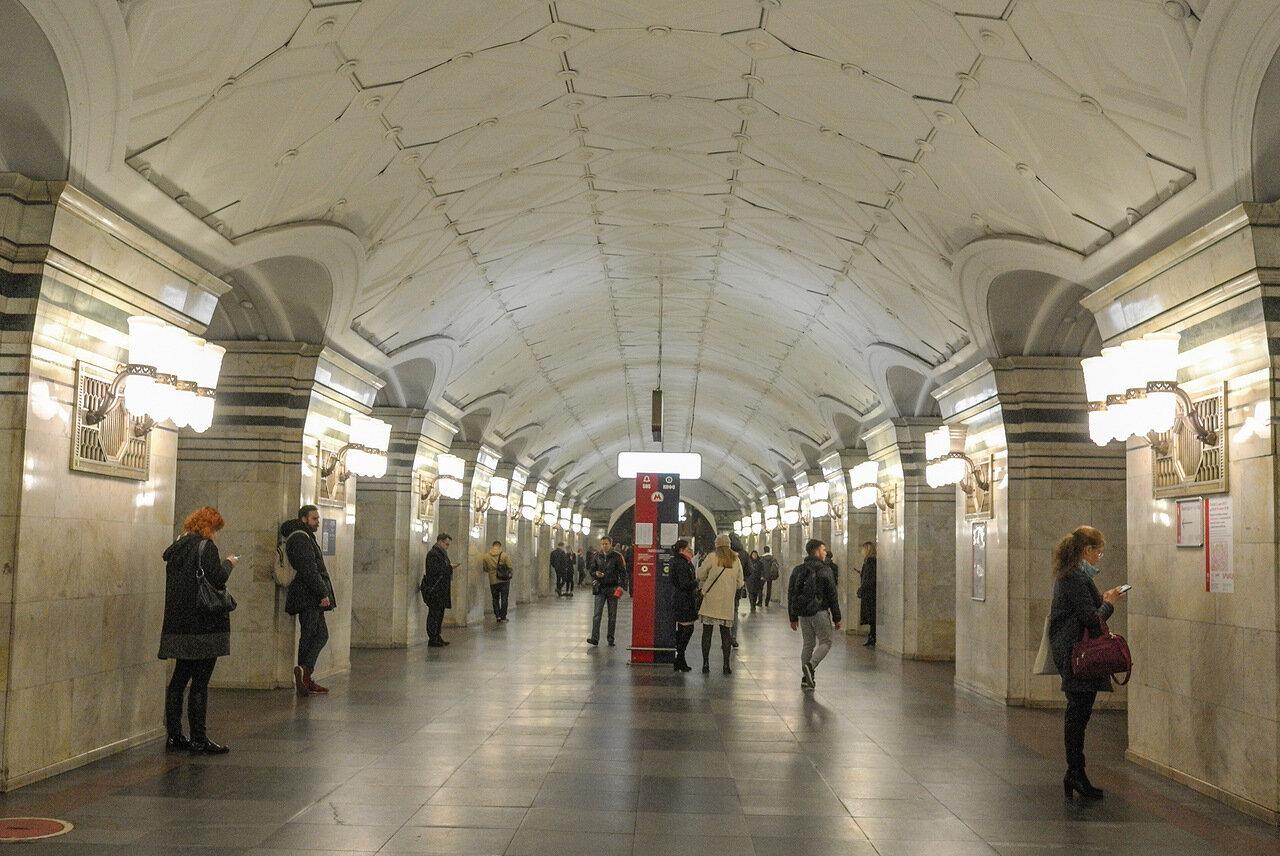 Южный вестибюль станции «Спортивная» работает только на вход пассажиров