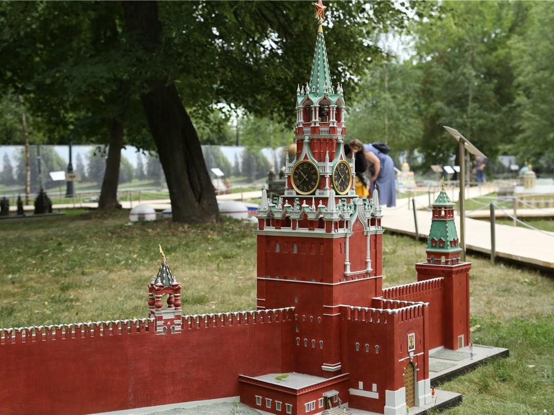 В Царицынском парке откроют выставку миниатюр