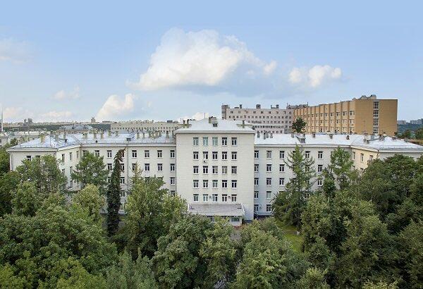 Мэр Москвы поздравил сотрудников ГКБ №67 с ее 60-летием