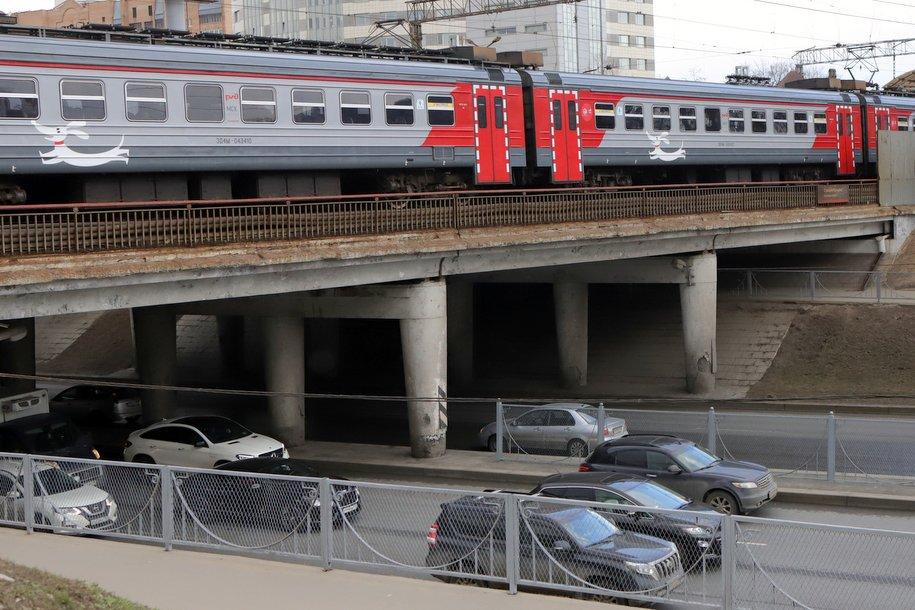 На Южной рокаде готова железнодорожная эстакада