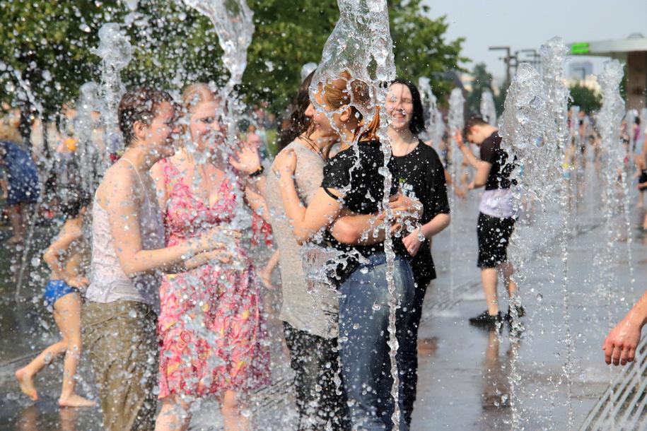 МЧС Москвы предупредило горожан о сильной жаре