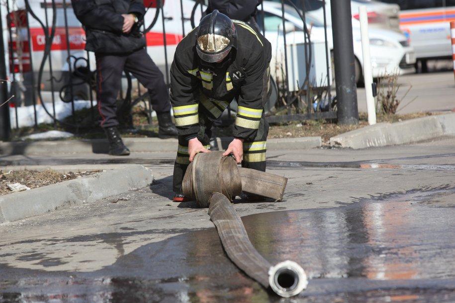 Пожарные ликвидировали возгорание на Краснобогатырской улице