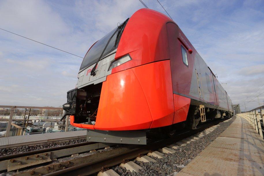 Первый поезд по мосту через Керченский пролив отправят из столицы