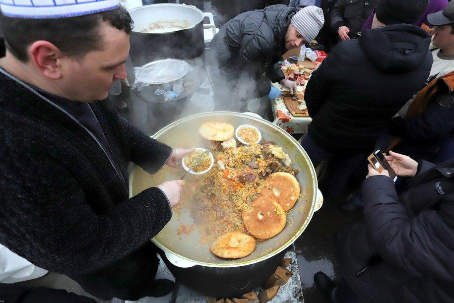 Мусульманский праздник Ураза-Байрам пройдет завтра в Москве
