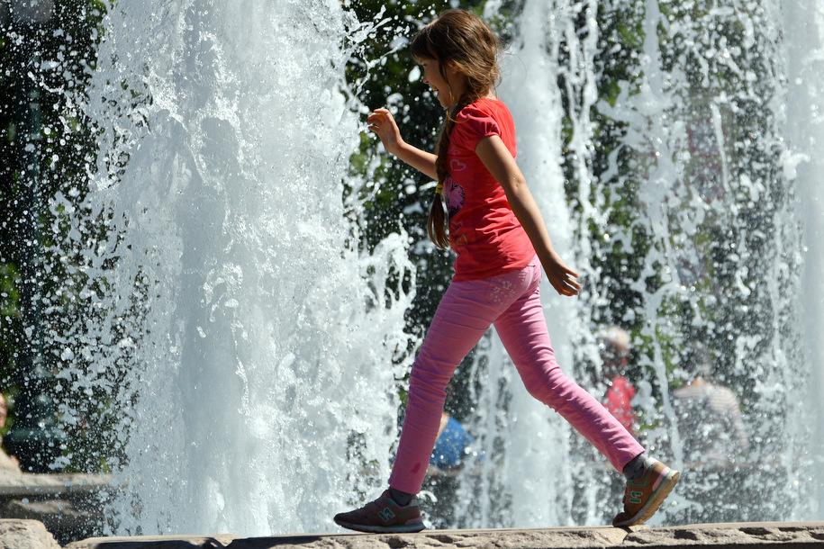 В Александровском саду помоют фонтан «Река Неглинная»