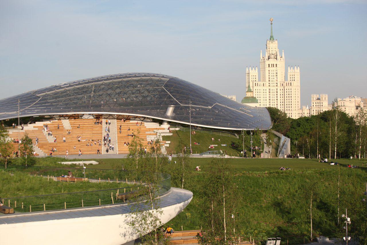 В «Зарядье» открылась фотовыставка о строительстве парка