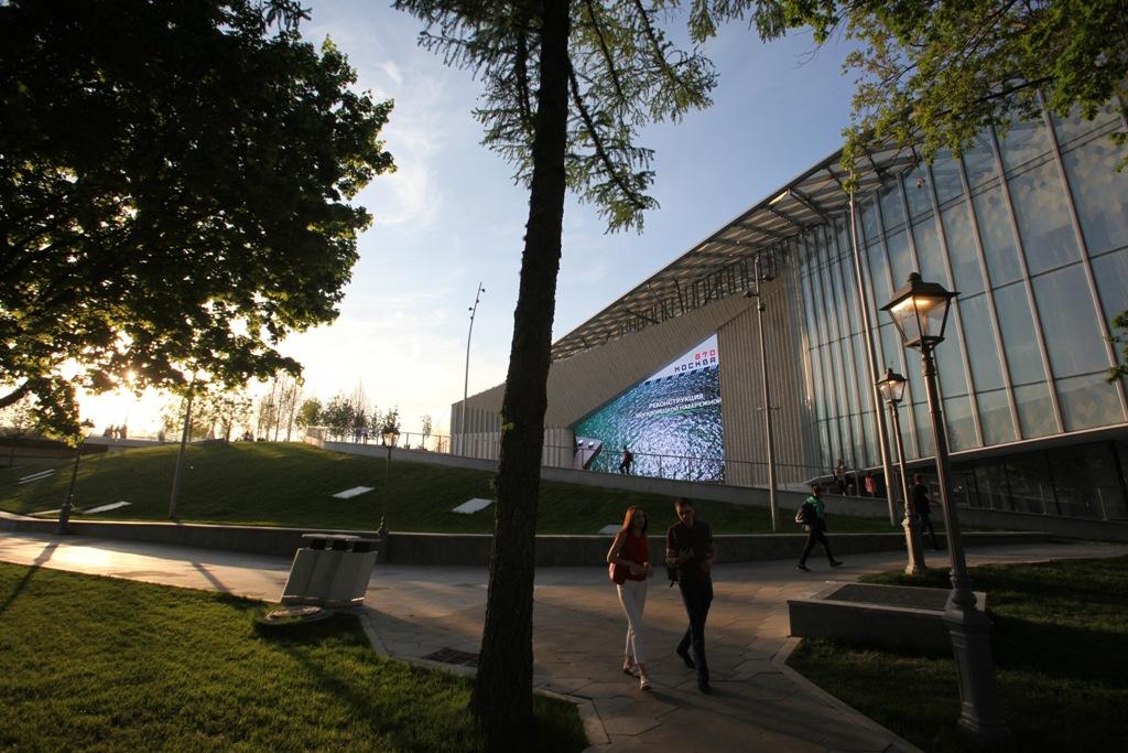 Культурную площадку с кинетическим фасадом открыли в Москве