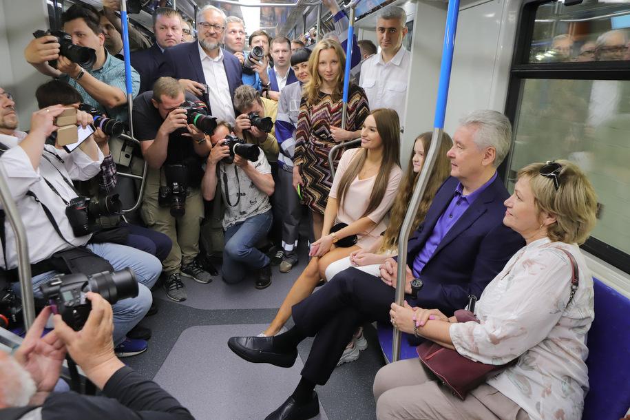 Сергей Собянин поздравил москвичей с Днём московского транспорта