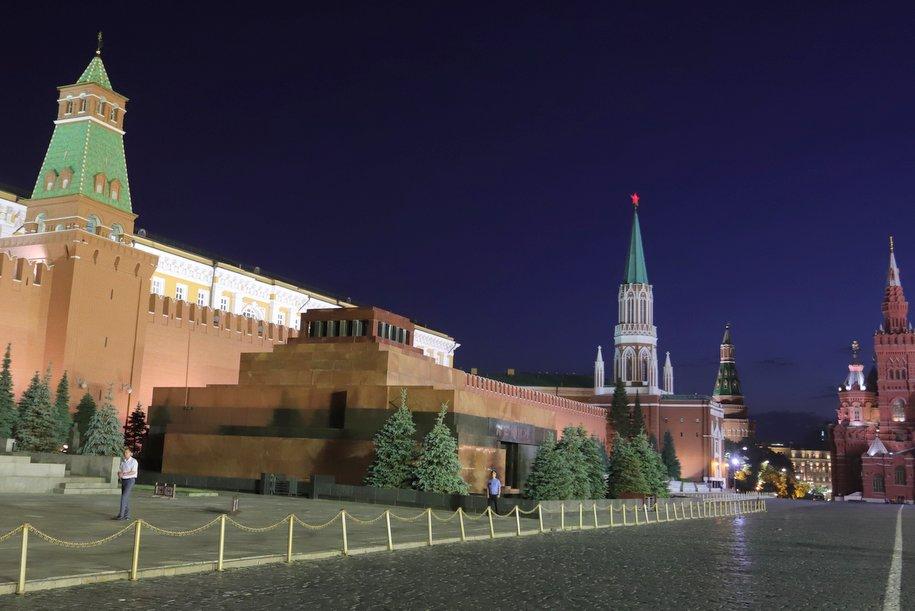 Мавзолей Ленина и некрополь у Кремлевской стены закроют с 15 по 25 июля