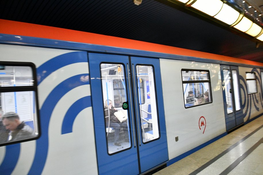 Еще 176 вагонов новой модификации поезда «Москва» поступит в столичное метро до конца года