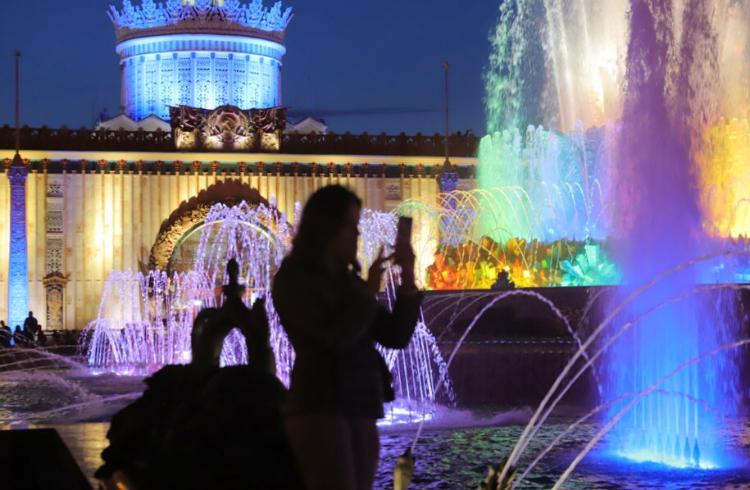 Прошедшая ночь в Москве стала самой тёплой с начала лета