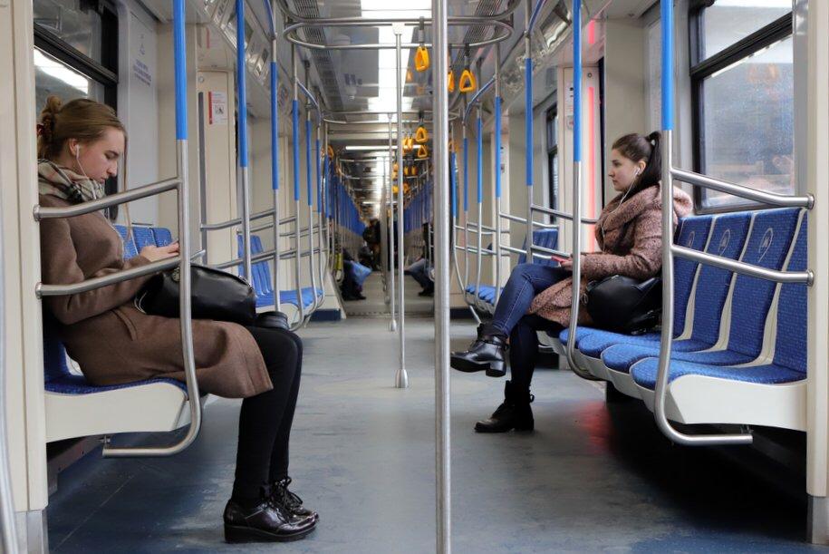 Ещё три инновационных поезда «Москва-2019» запустили на Сокольнической линии метро