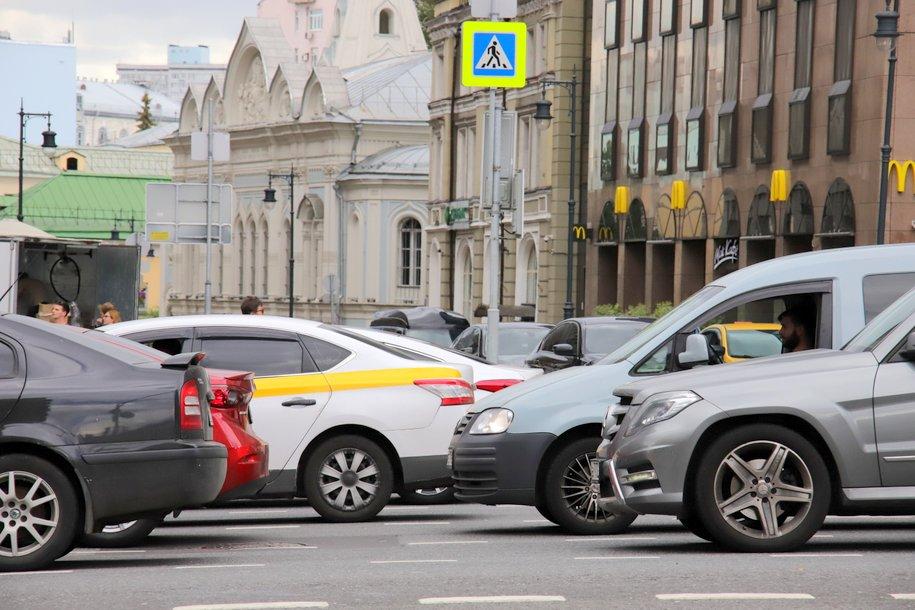 Больше 18 тыс. машин с начала года эвакуировали за незаконную парковку на местах для инвалидов
