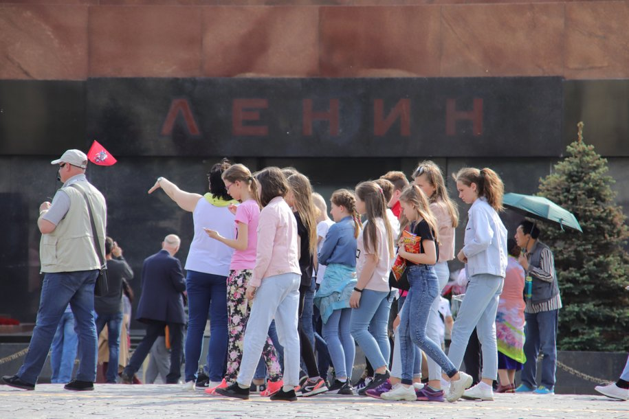 Мавзолей Ленина на Красной площади и некрополь закроют в воскресенье