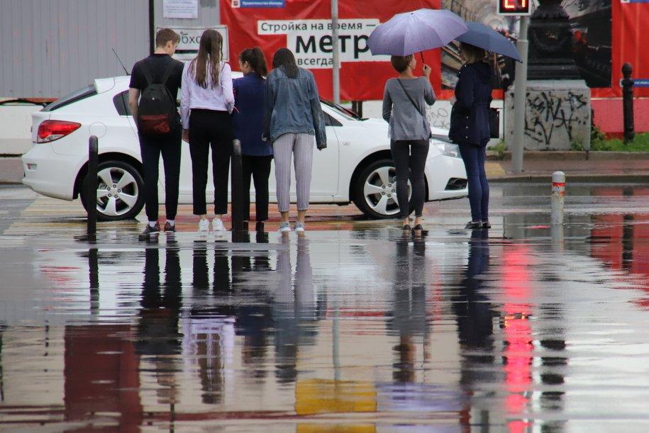 Прохладная погода и до 18 градусов ожидается в Москве в первые выходные августа