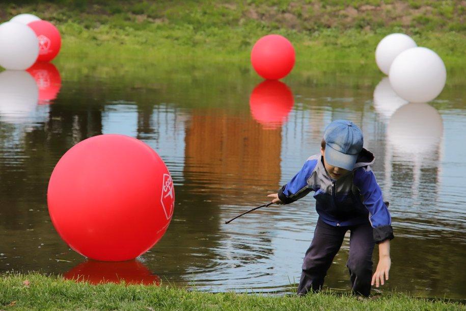 В парке «Дубки» проходит благоустройство детских площадок