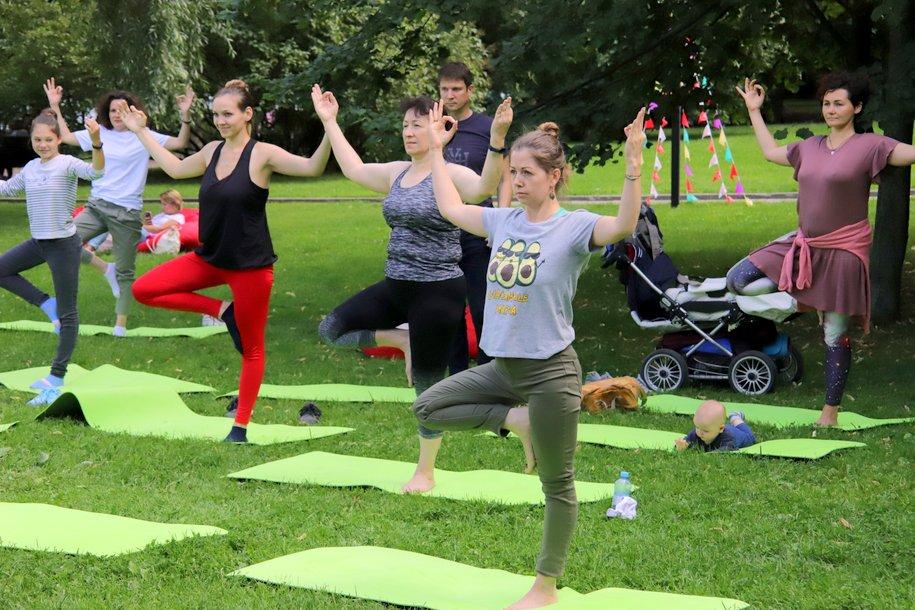 Более 300 уроков танцев провели этим летом на 13 площадках рядом с павильонами «Здоровая Москва»