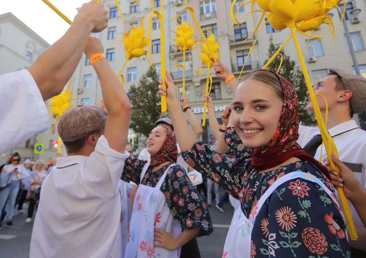Праздничные гуляния с центре Москвы посетили более 4 млн человек