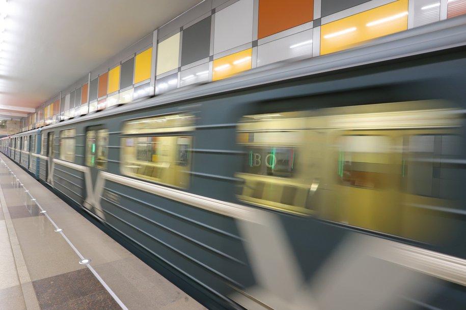 С начала года в метро установили более 70 вендинговых автоматов