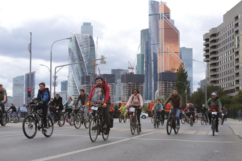 Осенний велофестиваль в Москве собрал около 30 тысяч участников
