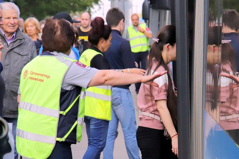 Автобусы «КМ» перевезли 92 тыс. человек в районе закрытых станций Филевской линии за минувшие выходные