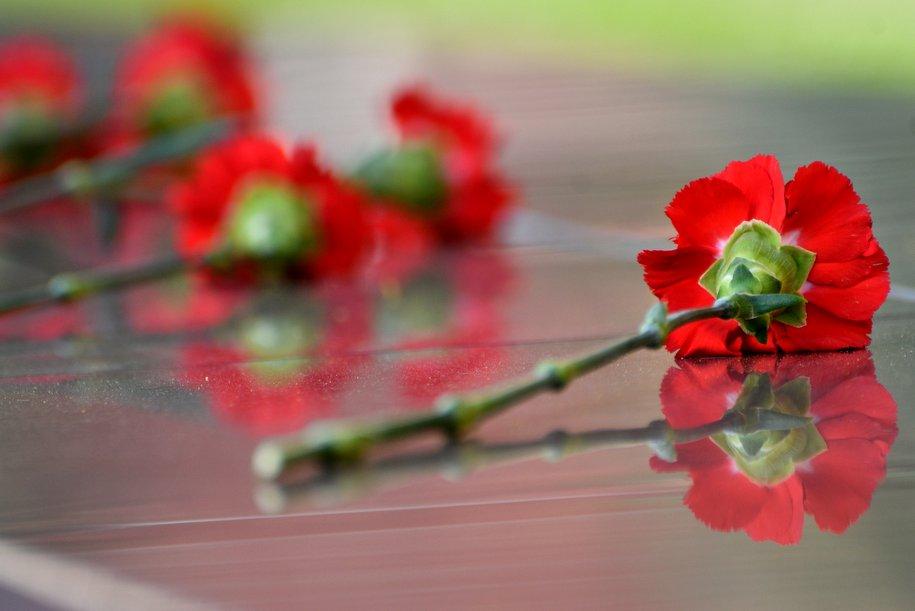 Сергей Собянин почтил память погибших при теракте в Беслане