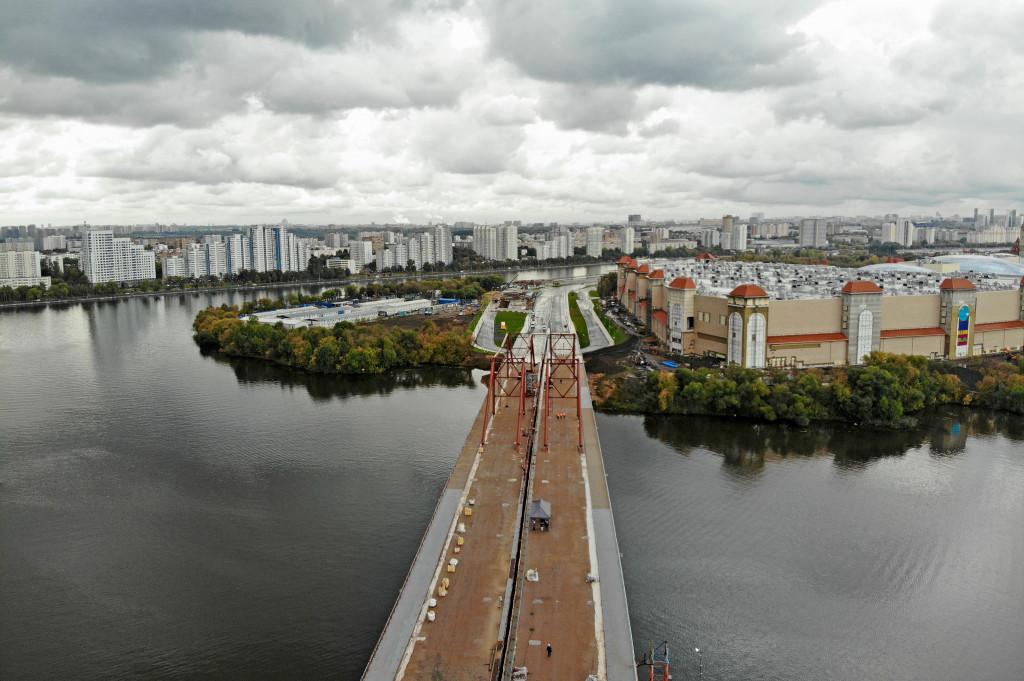 Строительство дорог к «Острову мечты» завершится к концу года
