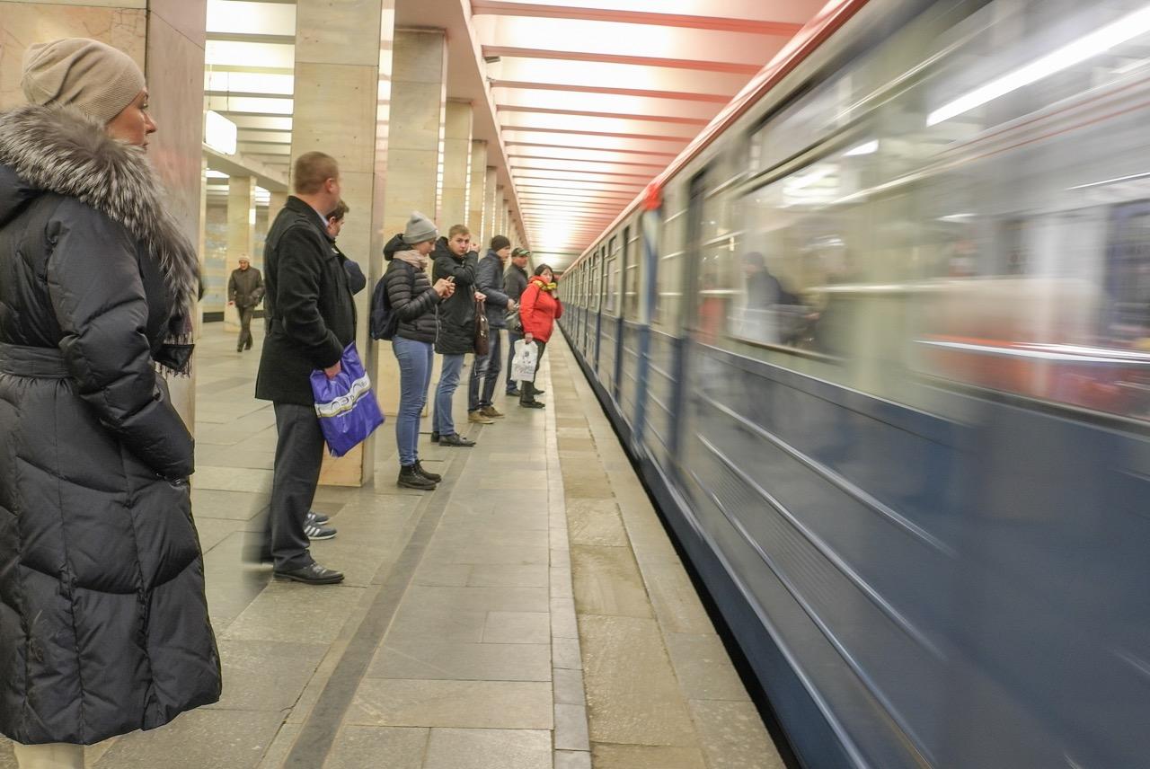 На «зелёной» ветке метро восстановлено движение поездов