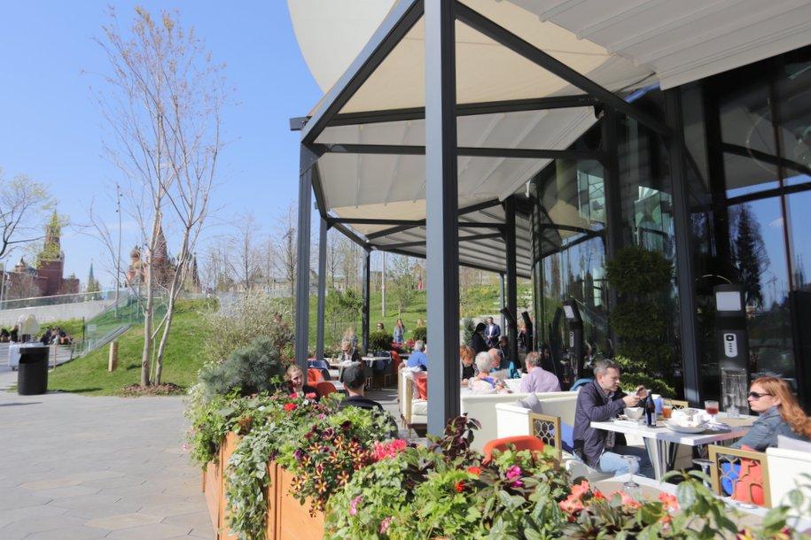 Летние кафе закрываются в Москве 1 ноября
