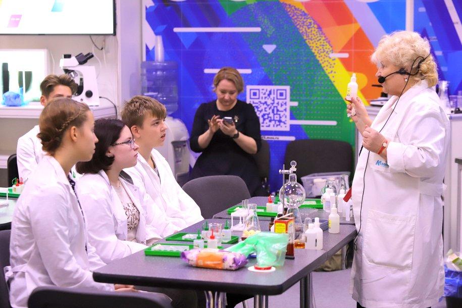 Более 80 новых объектов образования построят в Москве к концу 2022 года