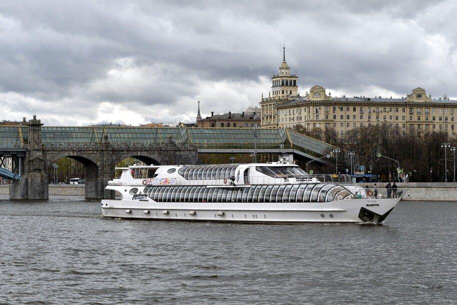 Бесплатные экскурсии по Москве-реке на экотеплоходе для столичных школьников начнутся весной