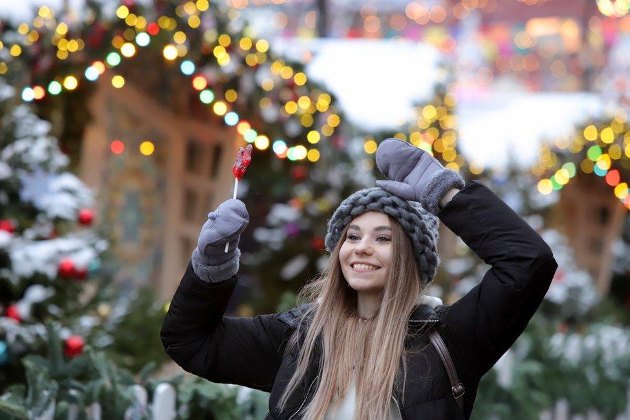 Москву украсят к Новому году до середины декабря