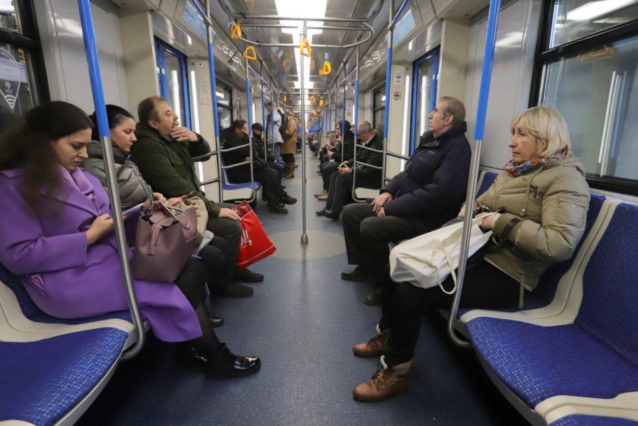 Оплатить проезд в метро можно будет с помощью мобильного приложения Mir Pay