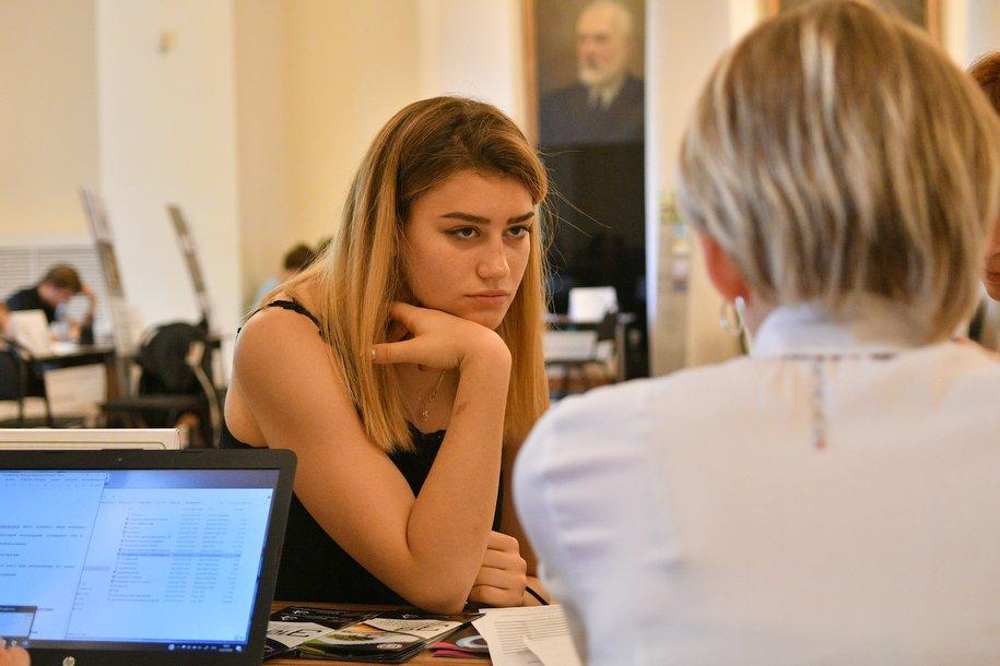 Для школьников столицы доступна запись на итоговое собеседование по русскому языку на портале mos.ru.