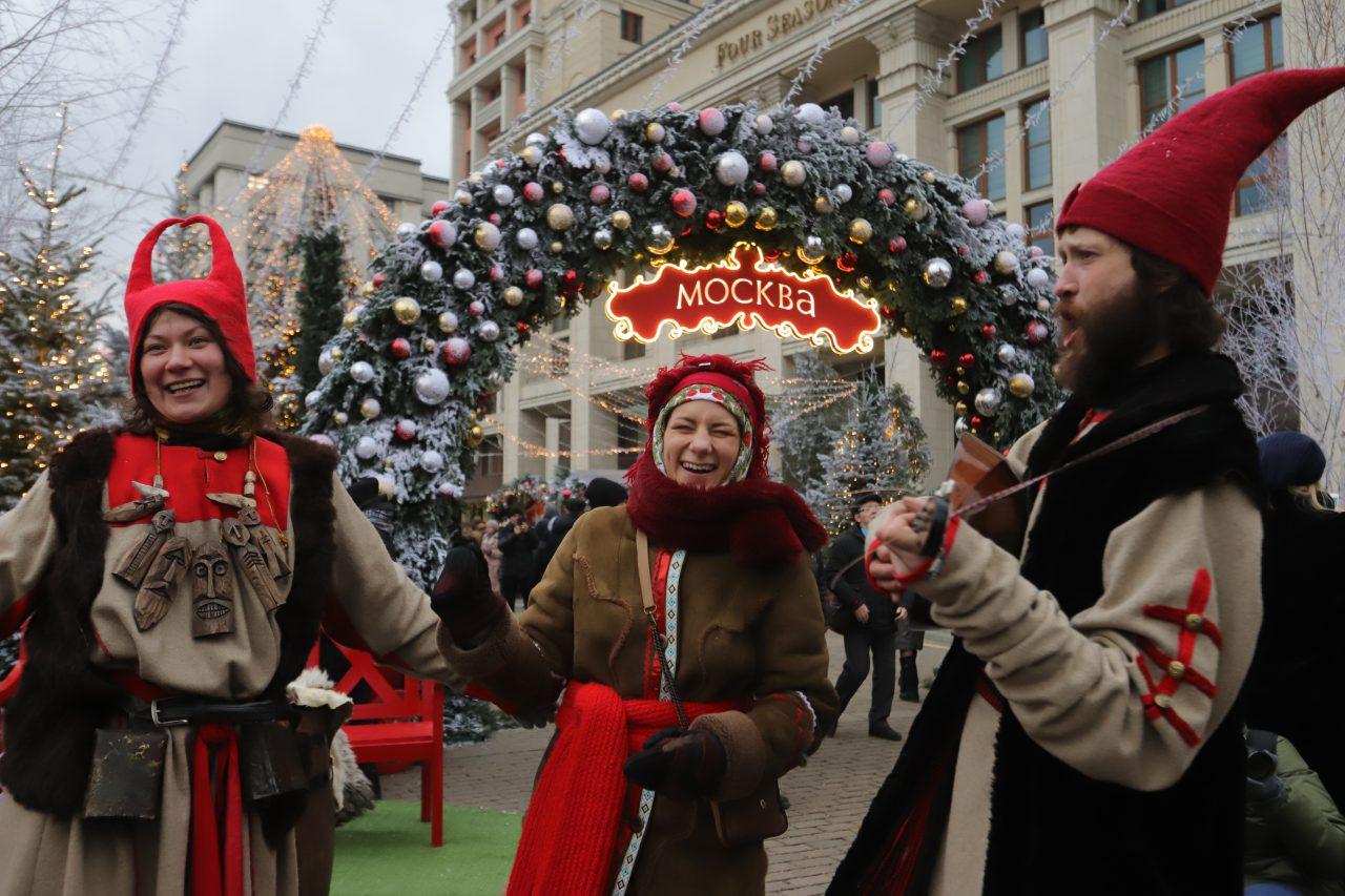 В одном из павильонов фестиваля «Путешествие в Рождество» открылся информационный центр для туристов