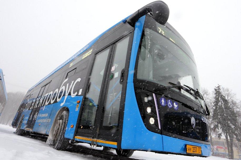 Начал работать четвертый электробусный маршрут у Киевского вокзала