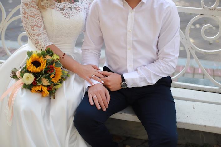 Около 500 пар поженятся в Москве накануне Нового года