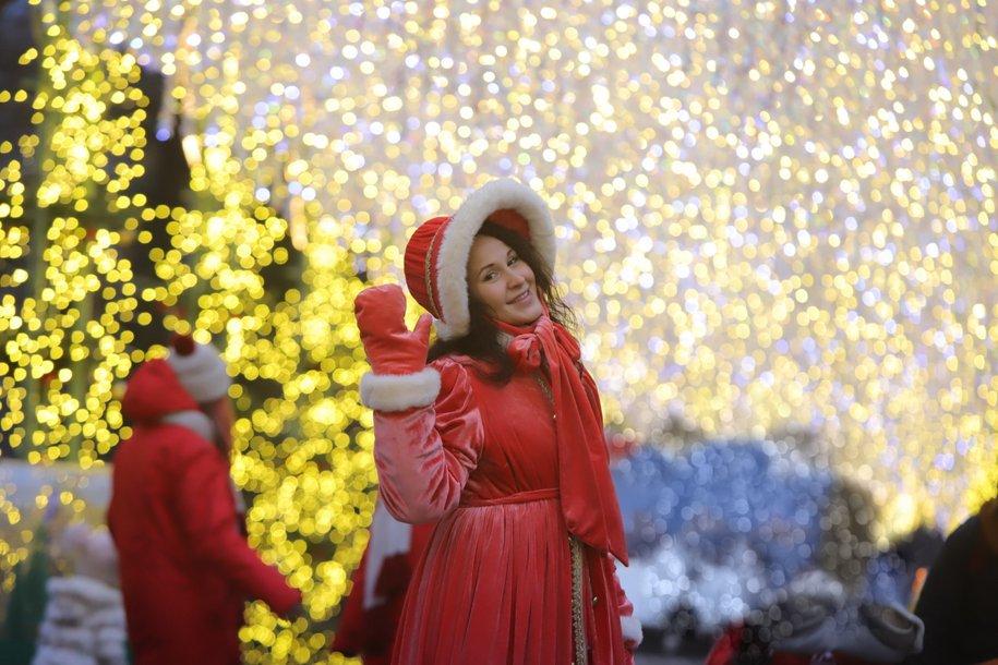 Снег в новогоднюю ночь в Москве можно будет увидеть только на газонах