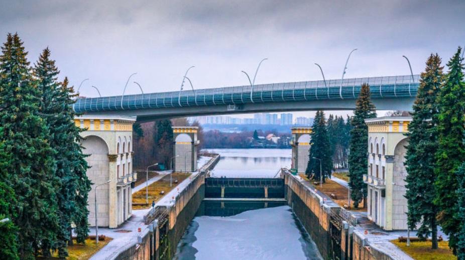 Более двадцати новых мостов построят в Москве к 2025 году