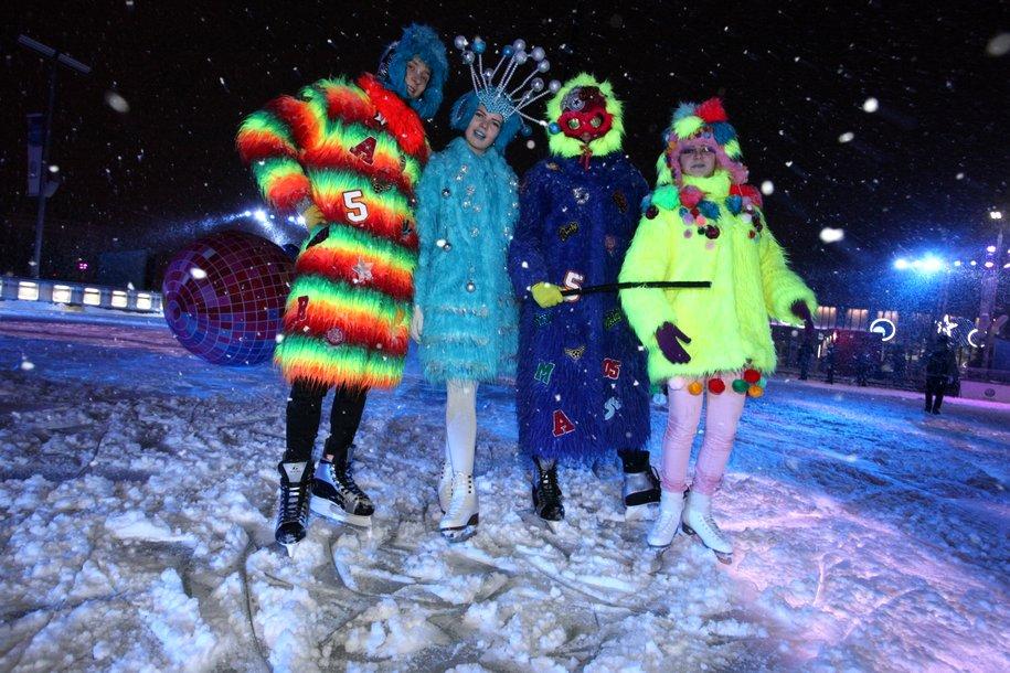 Более 100 тысяч москвичей и гостей столицы отпраздновали Новый год на ВДНХ